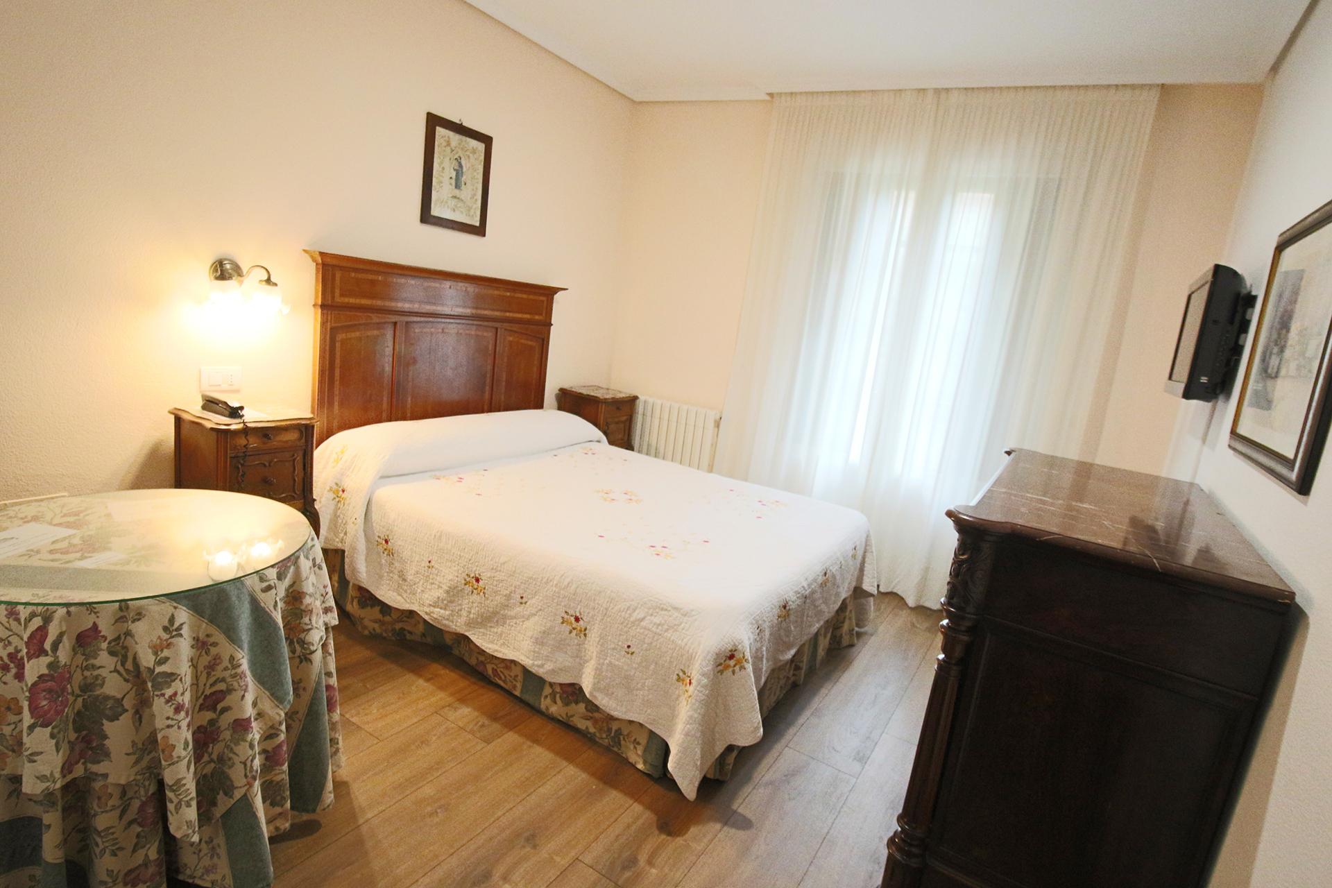hotel_santillana_habitacion